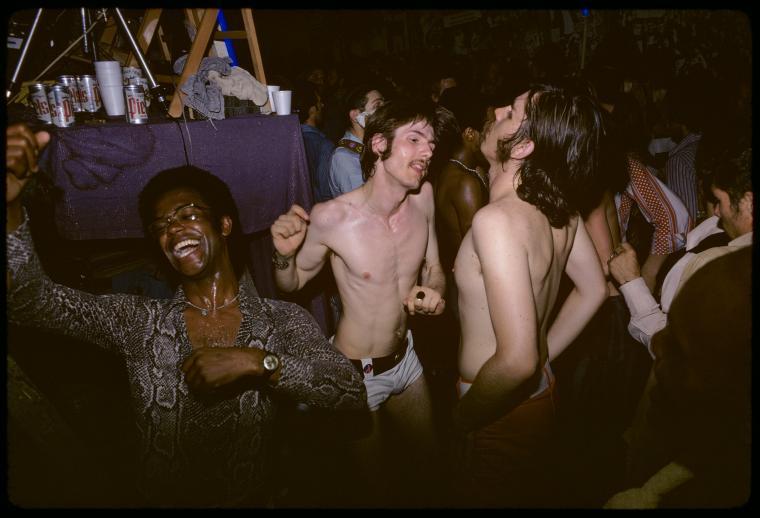 Baile del Gay Activists Alliance (Firehouse, 1971). Fotografía de Diana Davies
