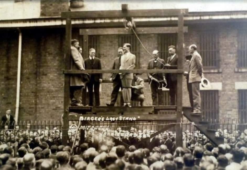 Charlie Birger en el instante previo a su ejecución pública