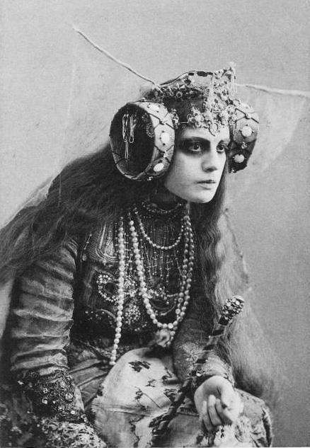 Dos espectaculares imágenes de la baronesa Elsa