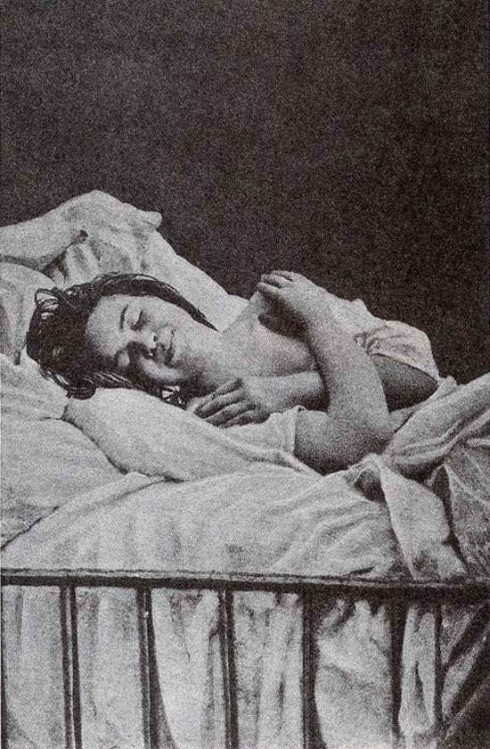 Otras fotografías de Agustine en el anteriormente nombrado libro