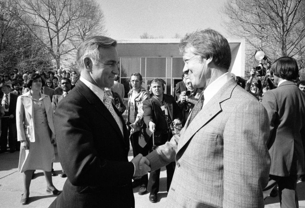 El presidente Carter y Stansfield Turner en marzo de 1977