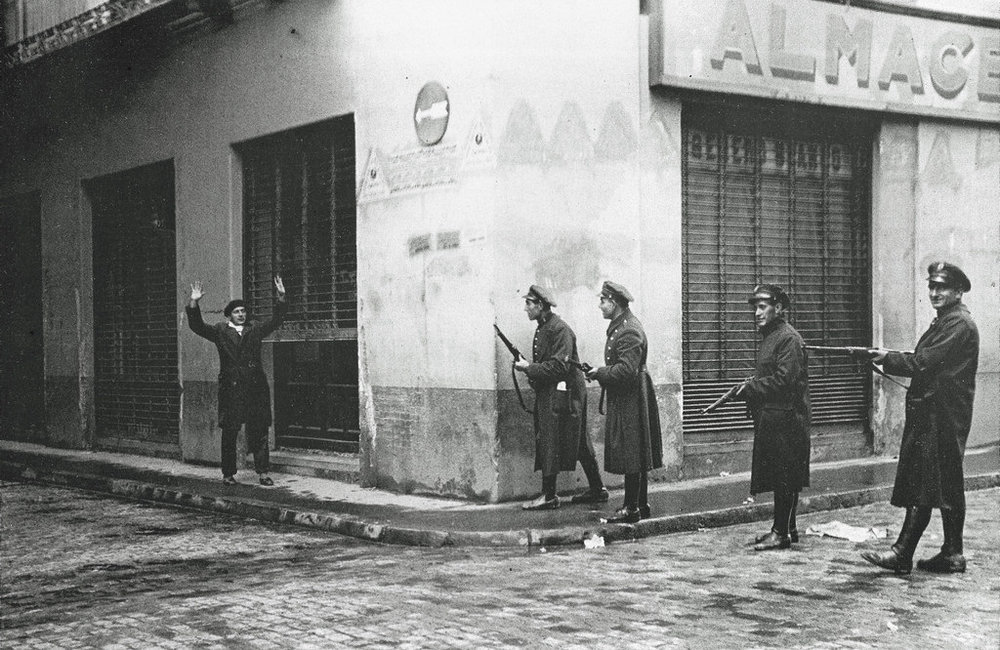 Las fuerzas del orden toman las calles