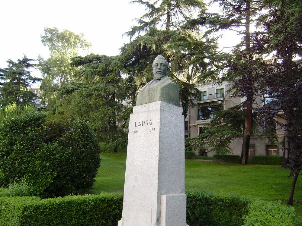 Estatua dedicada a Larra