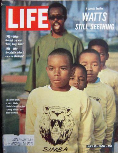 Portada del número de LIFE dedicado a Watts (julio, 1966)