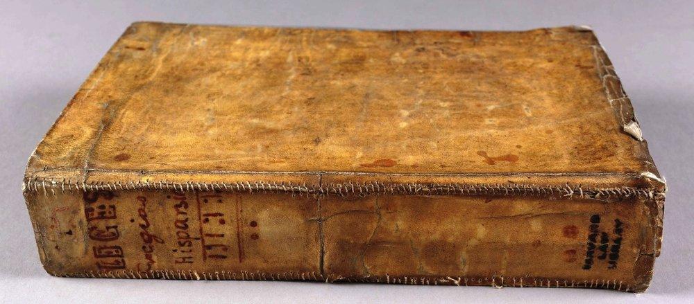 Practicarum quaestionum circa leges regias Hispaniae, de Juan Gutiérrez, hecho con piel humana (1632)
