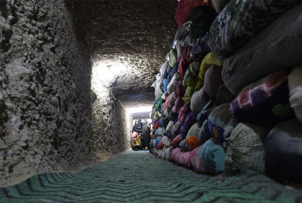 Cientos de sacos con el Corán