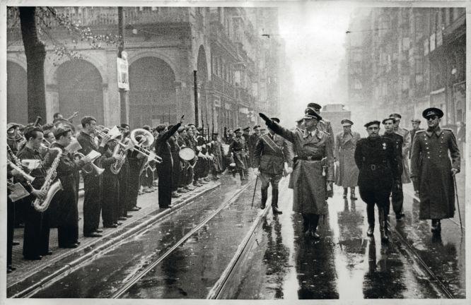 Desfile en pleno centro de San Sebastián