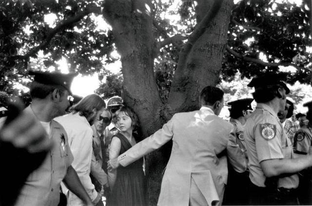 Lynette Fromme, instantes después del atentado contra Ford