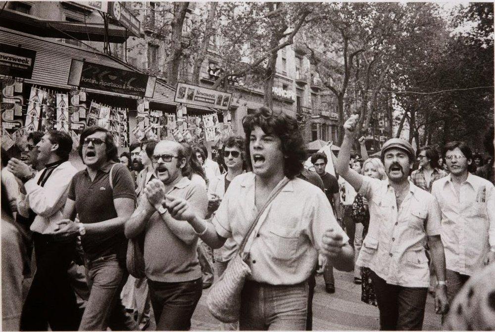 Primera marcha por el Día del Orgullo Gay. Ramblas de Barcelona, 1977