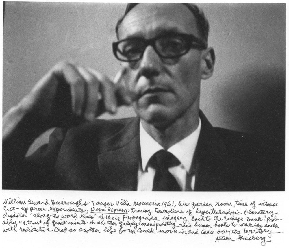 Fotografía y notas manuscritas de Allen Ginsberg sobre Burroughs