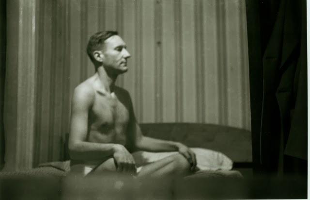 Burroughs en plena meditación