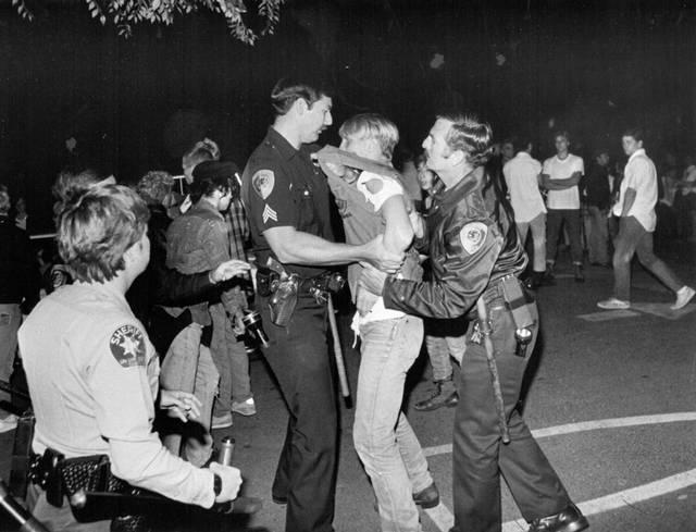 Incidentes a las puertas del concierto de Dead Kennedys