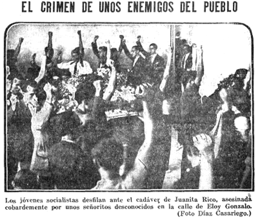 Amigos y militantes, puño en alto, desfilan ante el féretro de Juanita (Heraldo de Madrid, 25 de junio de 1934)