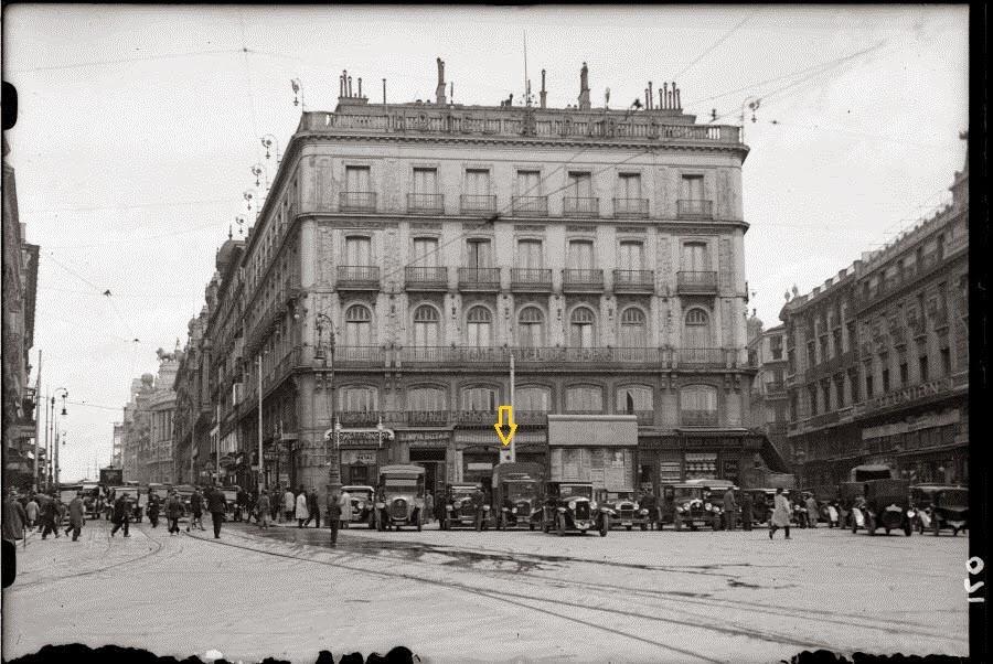 El Café de la Montaña señalado con una flecha (antiguoscafesdemadrid.blogspot.com.es)