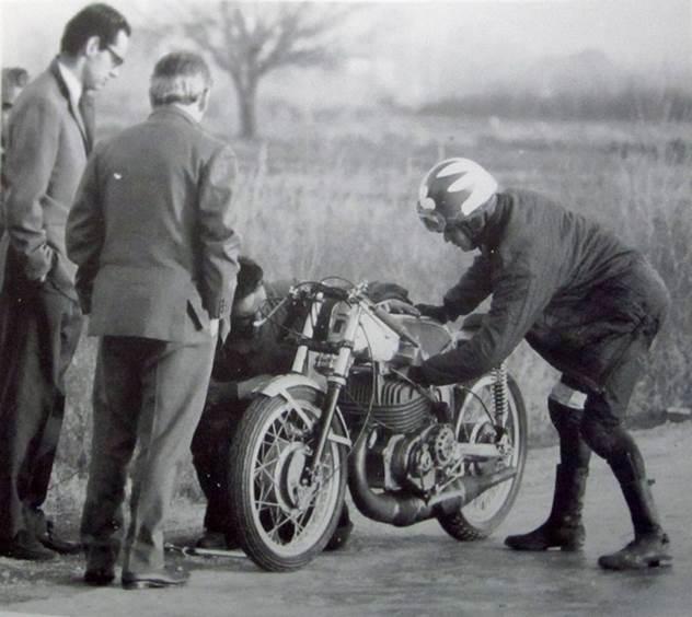 Santiago Herrero probando la OSSA en 1968