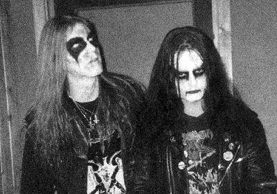 Dead (izquierda) junto a Euronymous