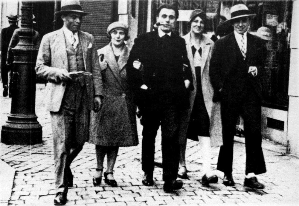 Buenaventura Durruti, Émilienne Morin, Gregorio Jover, Berthe Faber y Francisco Ascaso en París (1926)
