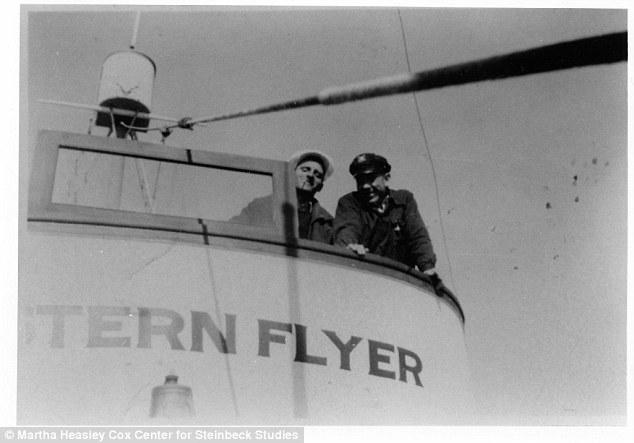 John Steinbeck junto a Tony Berry, capitán del Western Flyer