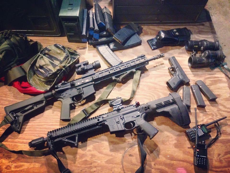 Algunas de las armas empleadas por Redneck Revolt y el Socialist Rifle Club en Charlottesville