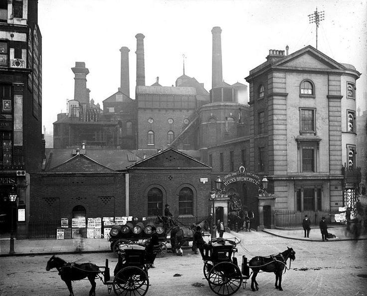 Totenham Court Road a comienzos del siglo XX