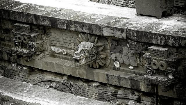 templo de quetzalcoatl.jpg