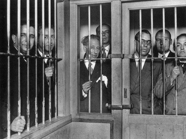Companys y su gobierno encarcelados