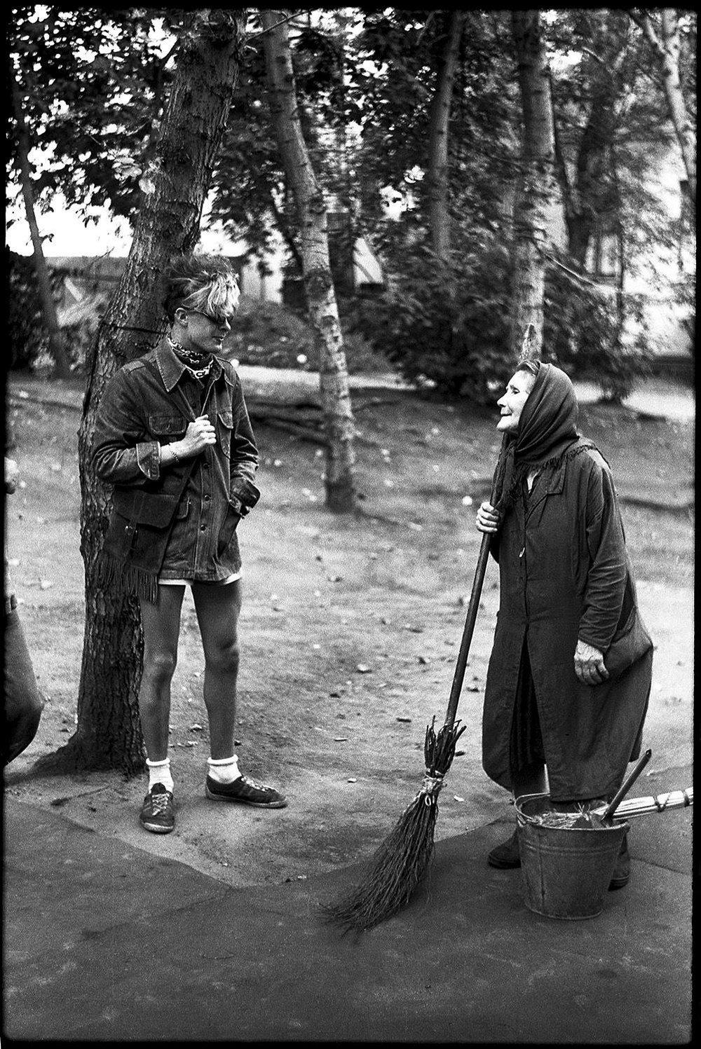 Jóvenes punks y rockeros soviéticos a mediados de los ochenta. Fotografías: Igor Mukhin