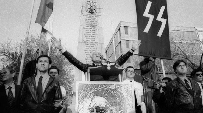 Miguel Serrano durante un mítin nacionalsocialista