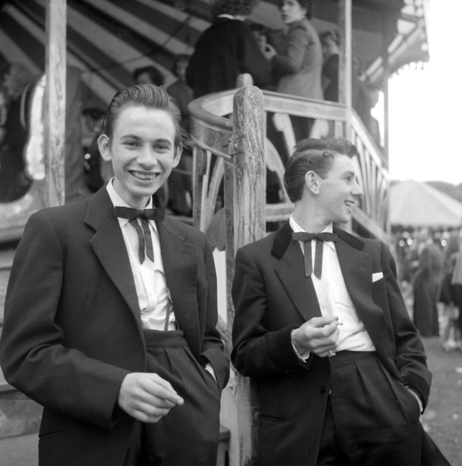 Una pareja de teddy boys en Londres (1955). Fotografía: Ken Russell