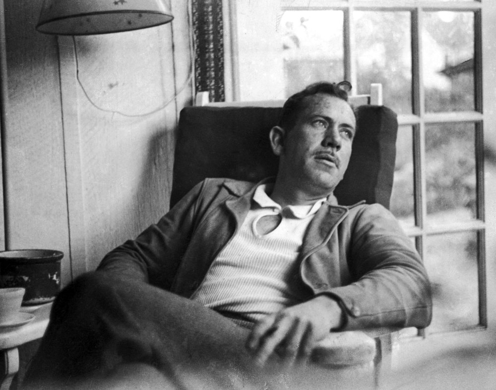 John Steinbeck fotografiado por Peter Stackpole (Getty Images)