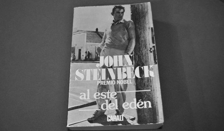 Una de las primeras ediciones de Steinbeck,. en este caso publicada por Caralt