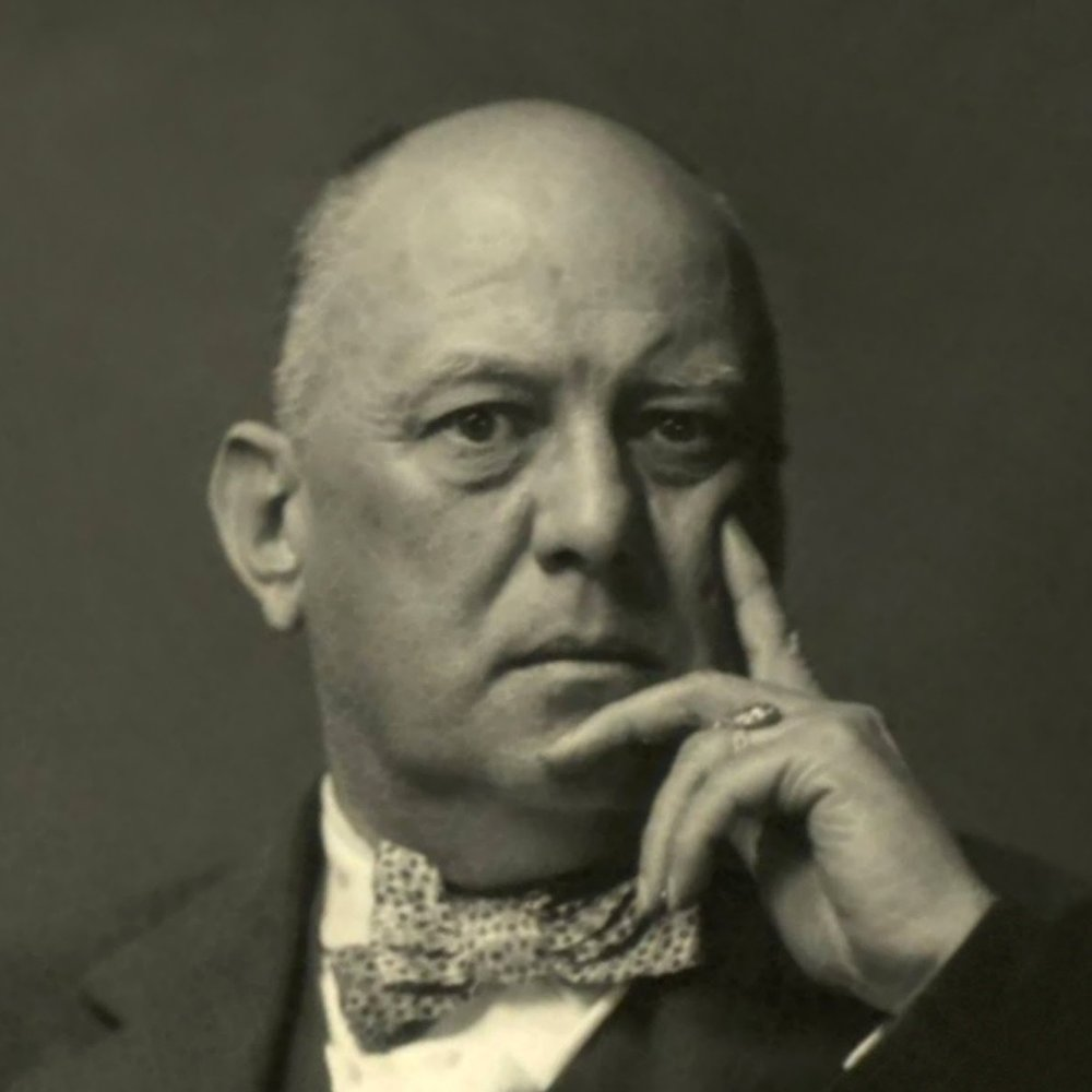 Retrato de Aleister Crowley