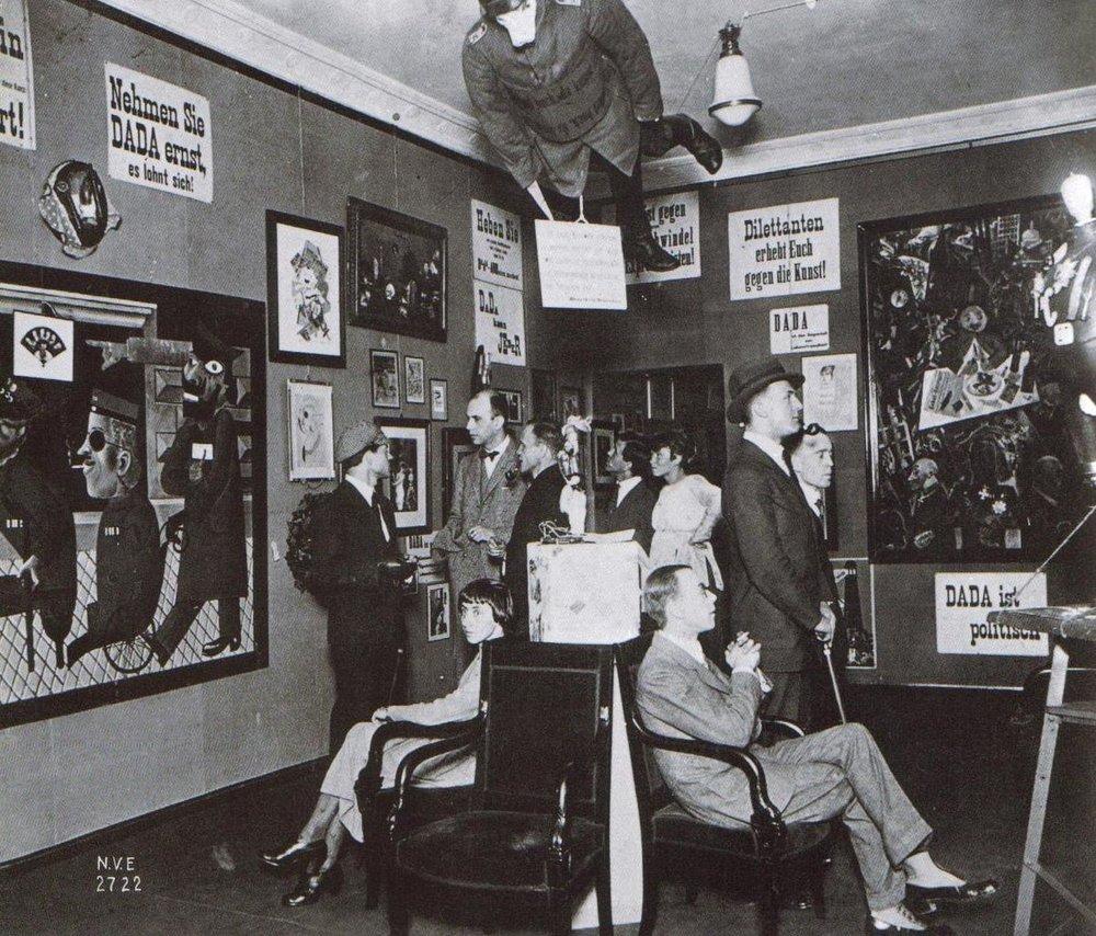 Exposición dadaísta en Berlín (1920). Fotografía: Corbis