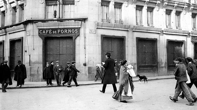El café de Fornos en 1908. Fotografía:  ABC