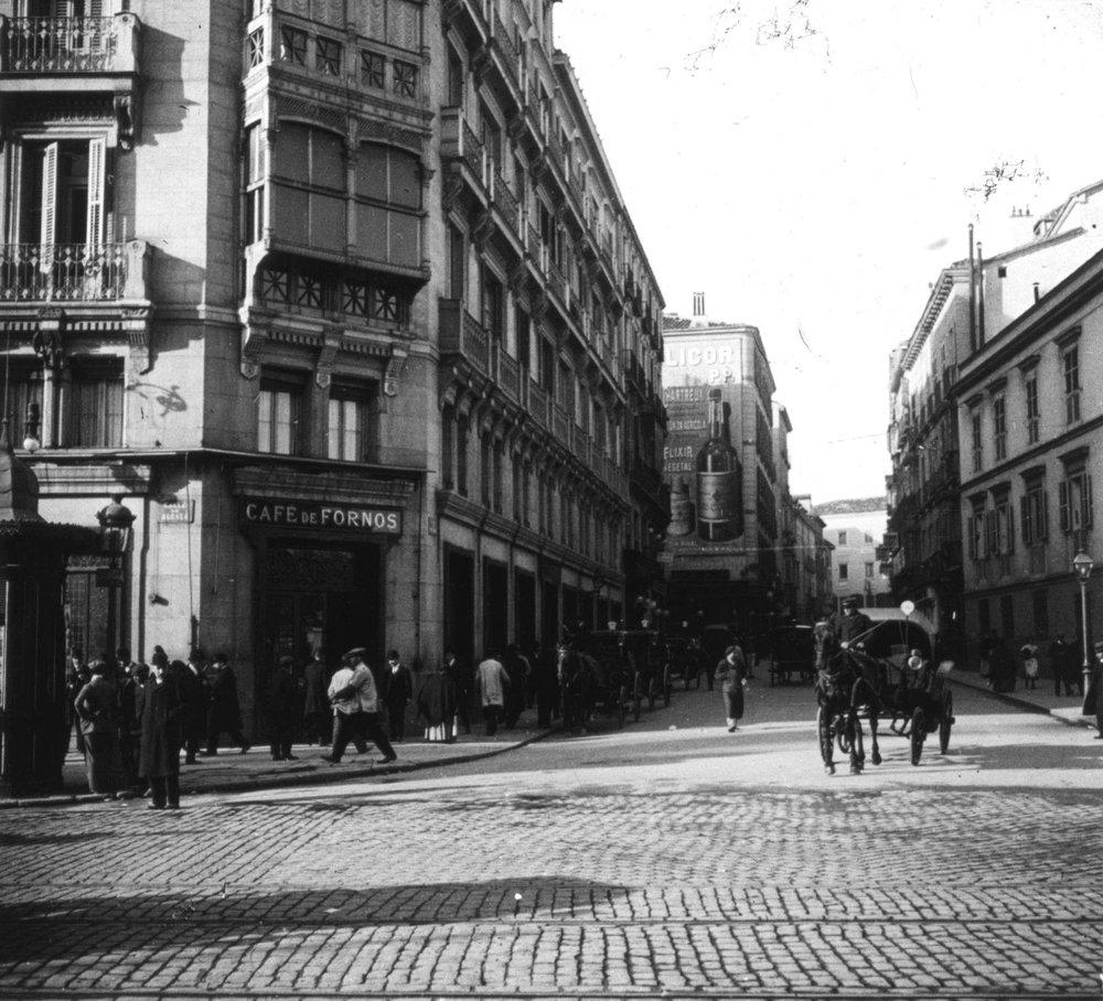 Otra perspectiva del café de Fornos en 1900