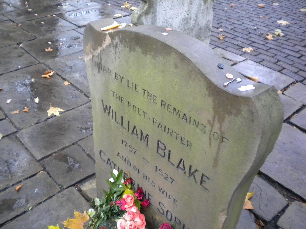 Tumba de William Blake y su esposa Catherine Sophia en Bunhill Fields. Fotografía del autor