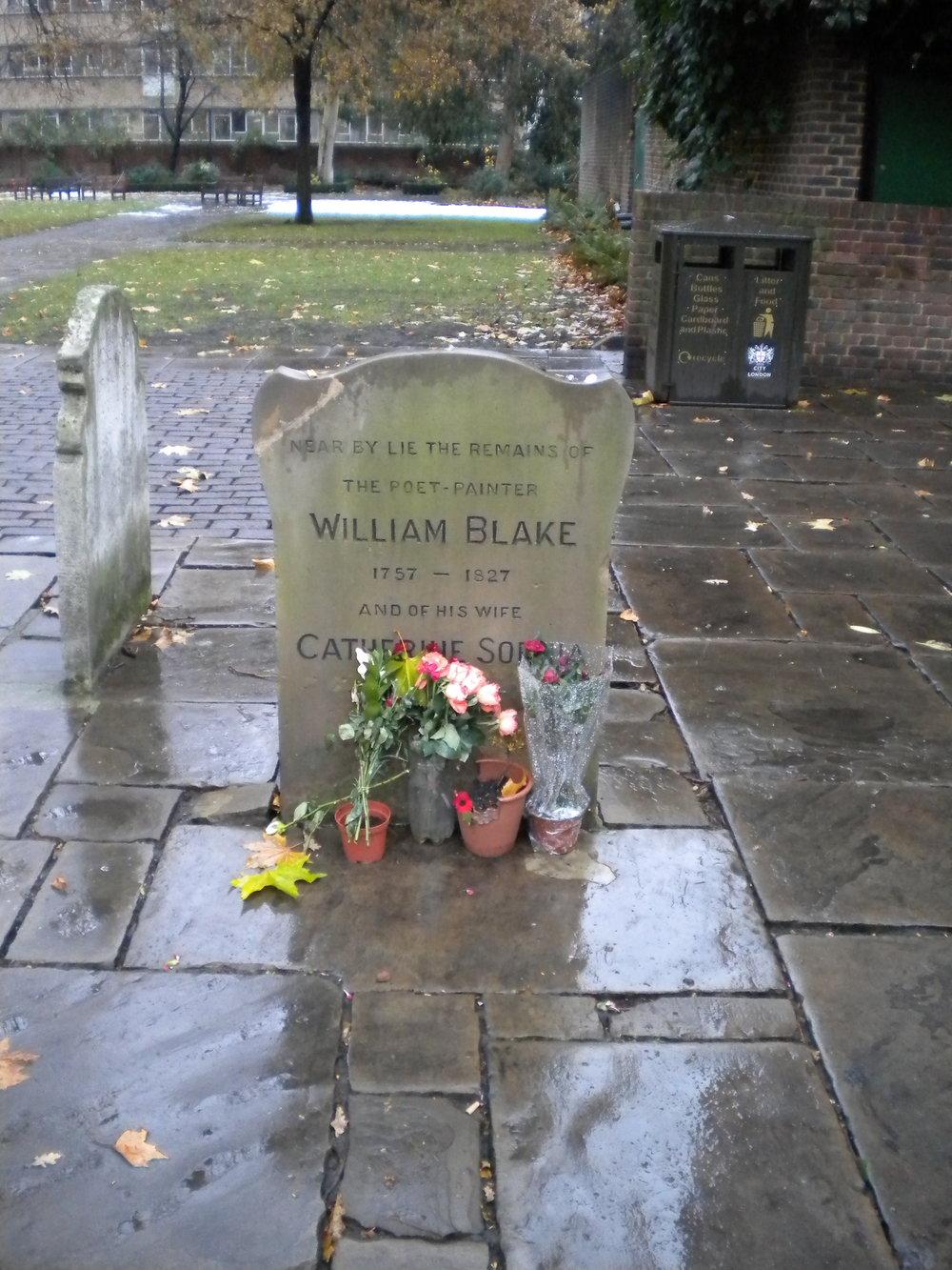 Otra instantánea de la tumba de William Blake en Bunhill Fields. Fotografía del autor