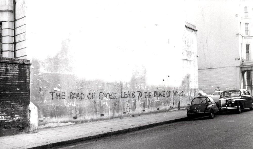 Pintada de King Mob (Londres, 1968) con un fragmento de un poema de Blake