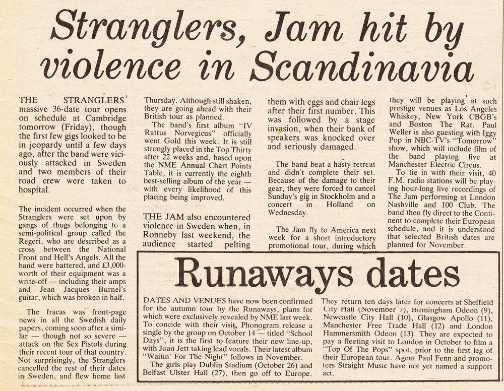 Artículo en el  New Musical Express  (octubre de 1977) sobre los incidentes de Stranglers y The Jam con raggares