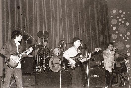 Primera actuación de Siniestro Total en el cine Salesianos (27/12/1981). Fotografía: www.lainercia.com