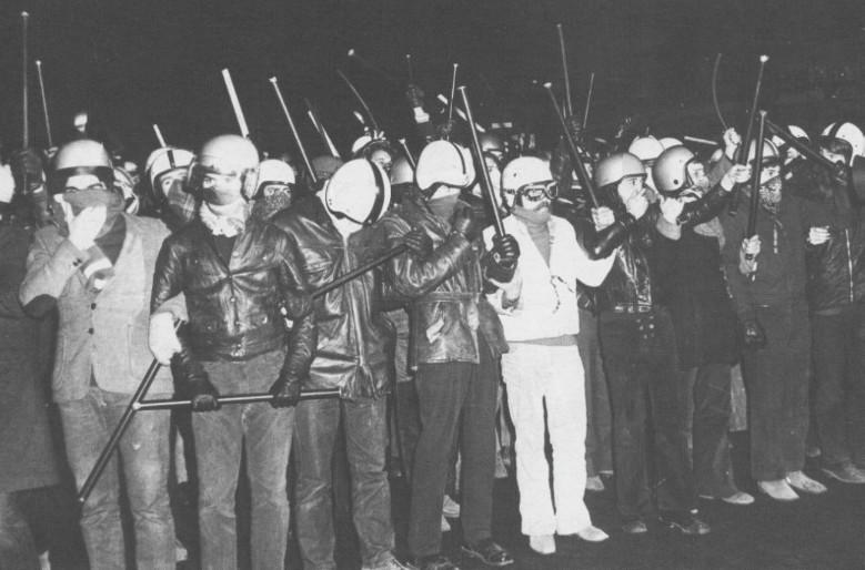 Militantes neonazis de Occident y Groupe Union-Droite durante el mayo francés