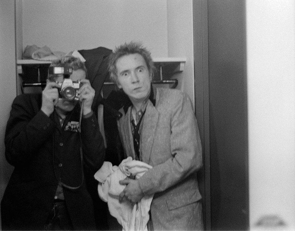 Joe Strummer y Johnny Rotten. Anarchy Tour. Plymouth. 1976