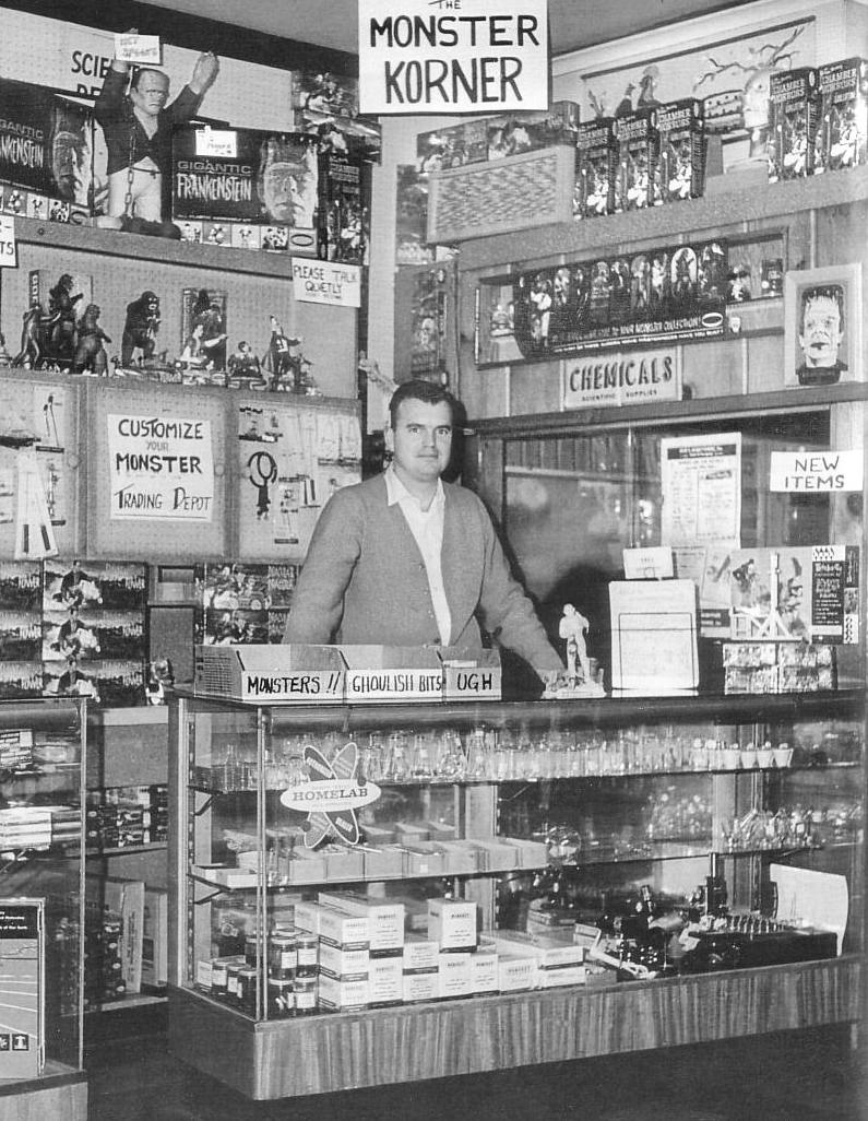 La sección Monster Korner en una tienda de juguetes de New Jersey en 1964