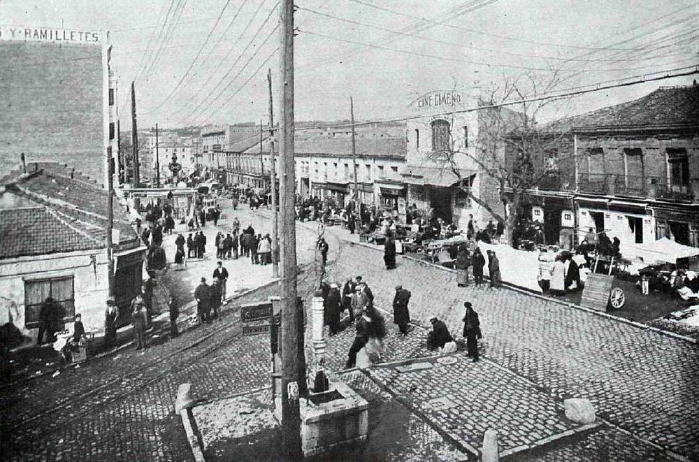 La vallecana Avenida de la Albufera esquina con la Avenida de Monte Igueldo durante los años cuarenta. Foto Alfonso.