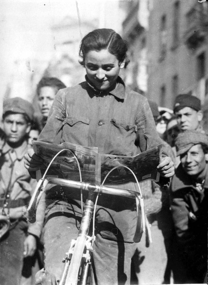 Integrante del Batallón Ciclista Malatesta ( ABC , 10 de enero de 1937)