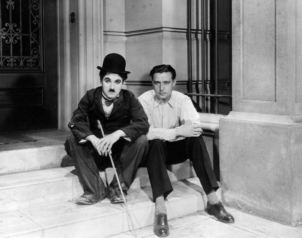 Neville junto a Charles Chaplin en 1930