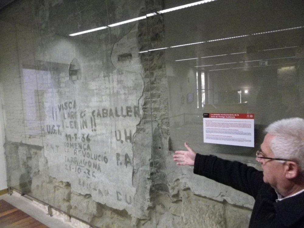 Pintadas descubiertas en la antigua Audiencia de Tarragona (Fotografía: Romà Rofes / Tarragona21.cat)