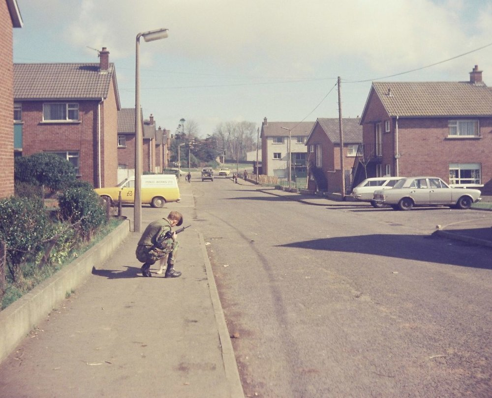 Bawnmore-Estate.-Belfast-Gordon-Highlanders-on-Foot-Patrols-in-Bawnmore-Estate-Belfast-in-19778.-1200x972.jpg