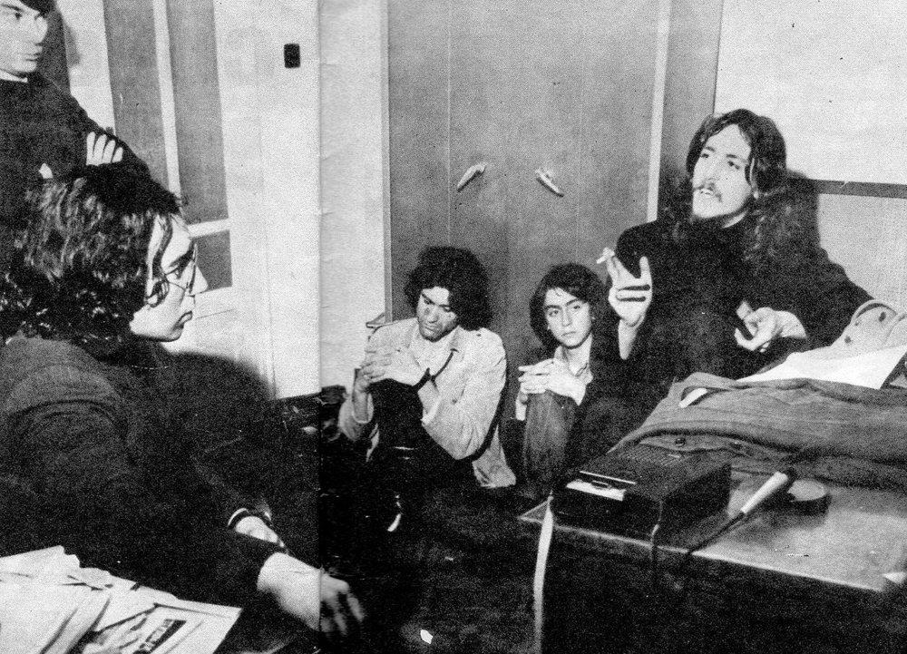 Coloquio sobre música progresiva publicado en  Discóbolo  el 9 de mayo de 1970. Participan Smash, Máquina!, Música Dispersa y Simun