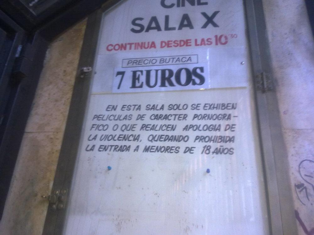 El cartel de la sala X de Corredera. Fotografía: Doctor Peligro